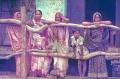 1984-Varanassi-4-mujeres-waiting